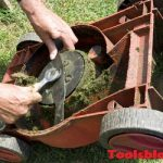 How To Sharpen A Lawn Mower Blade? Three Different Methods