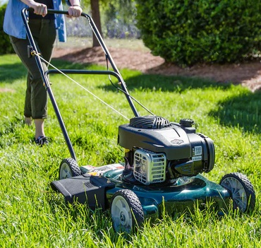 How to start a petrol lawnmower
