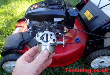 how to clean a lawn mower carburettor