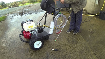How to connect a petrol pressure washer