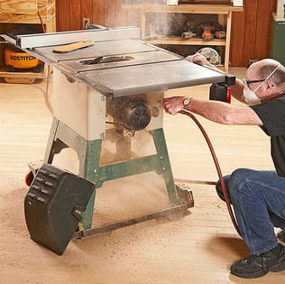 Clean up all straying sawdust