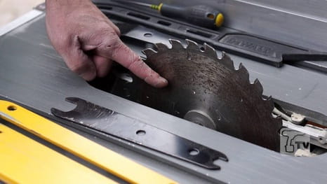 What attention when changing the blade of your table saw