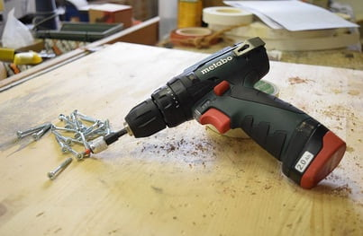 It is easy to fasten long wood screws with an impact wrench